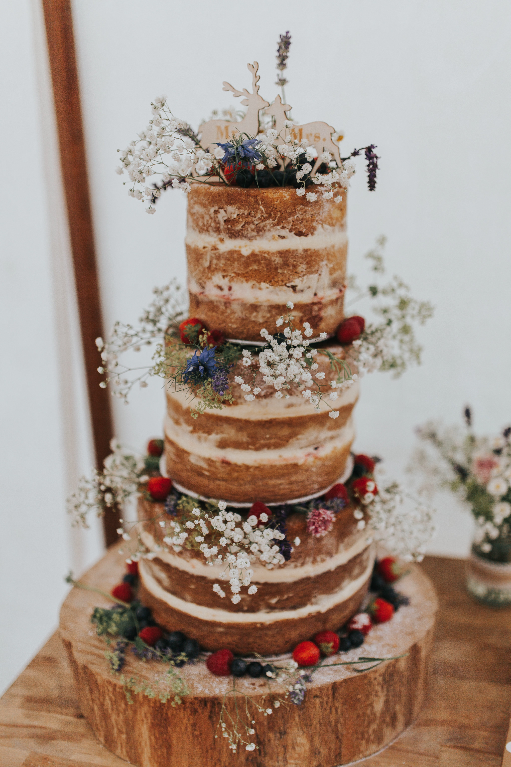 rustic wedding cakes flowers naked cake hunting woodland wooden cake stand block