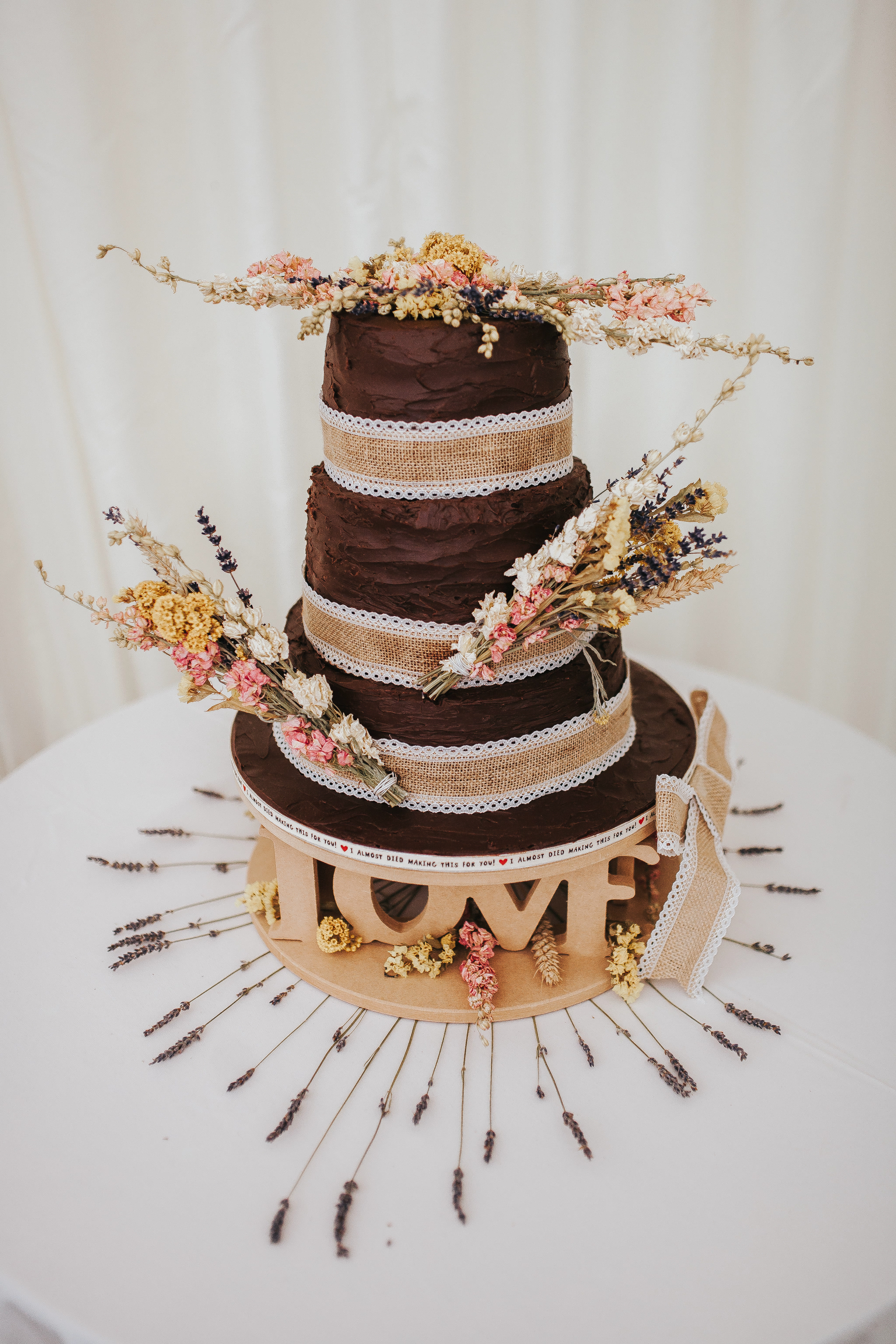 chocolate wedding cake diy rustic flowers dried wheat summer wedding ideas