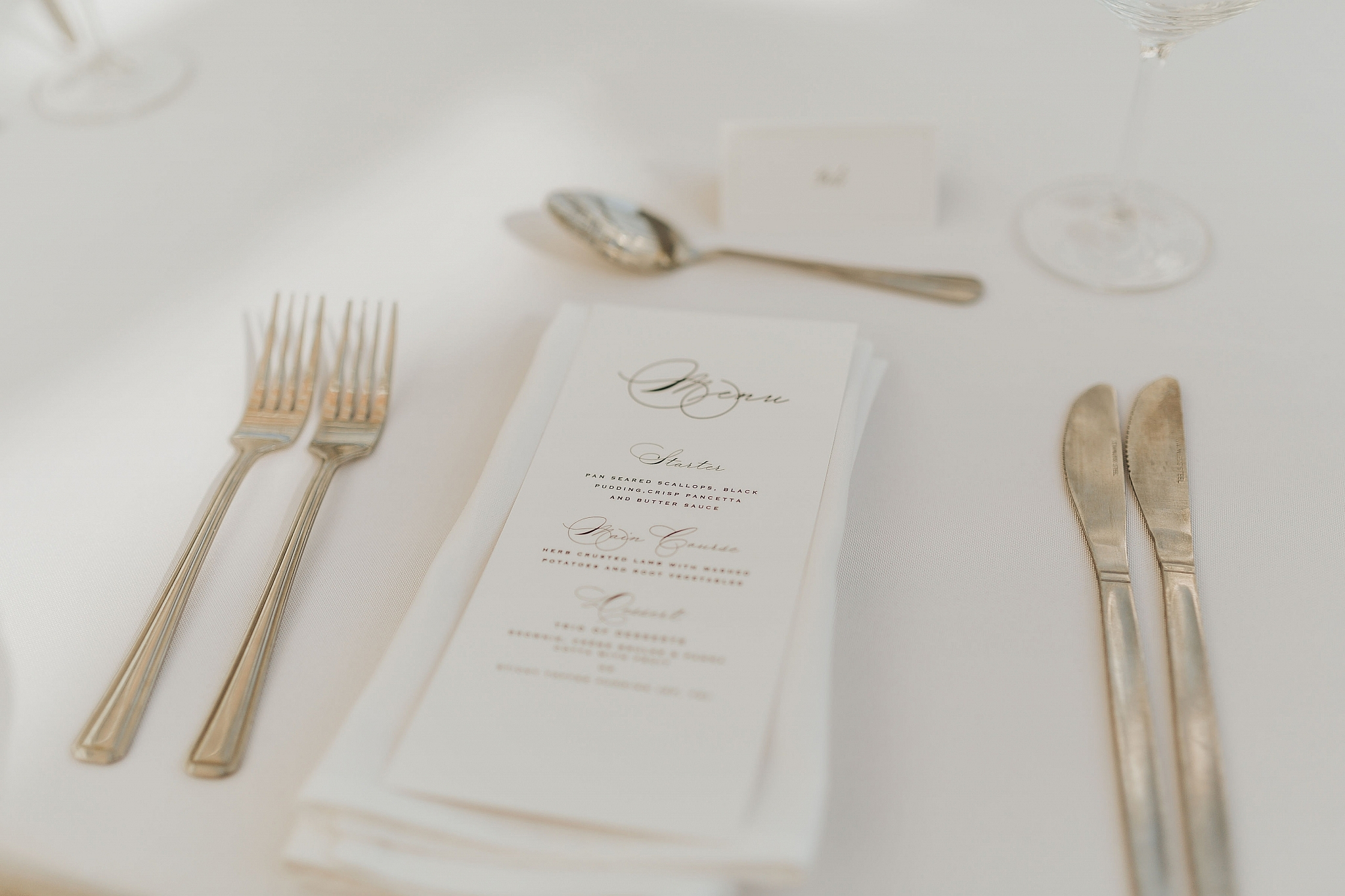 place setting weddings