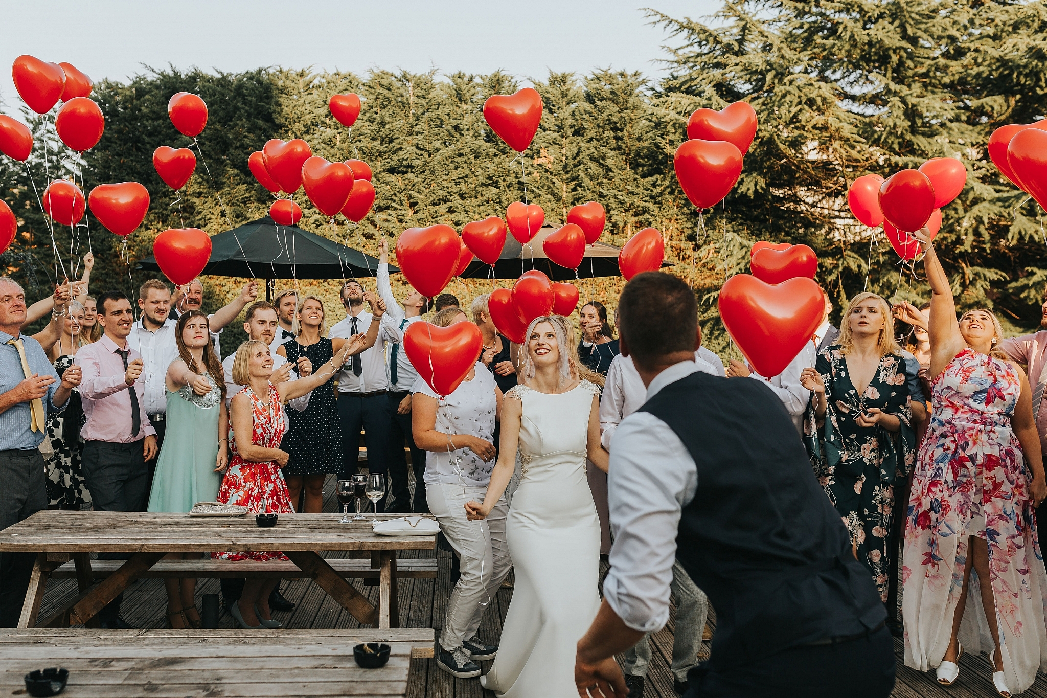 wedding balloon release